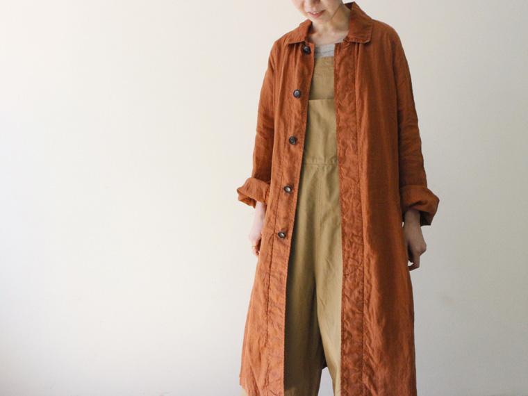 羽織るだけで自然なこなれ感に リネン100%コート