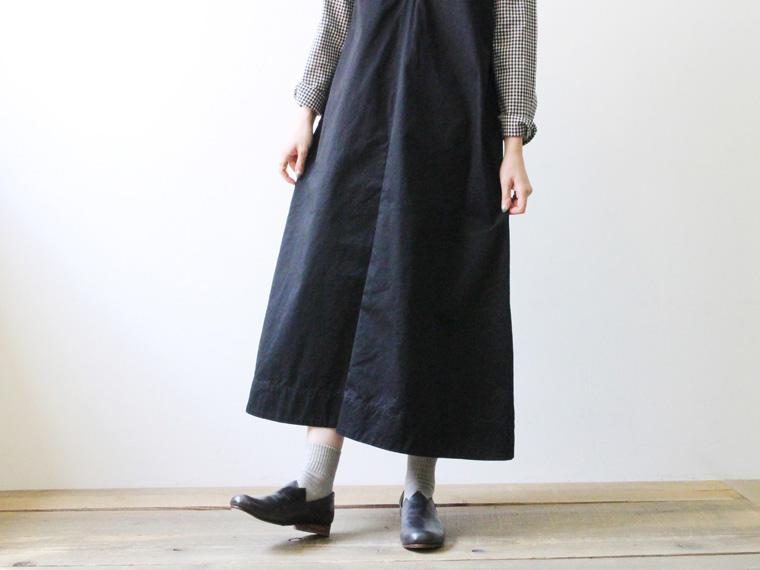 深Vネックジャンパースカート